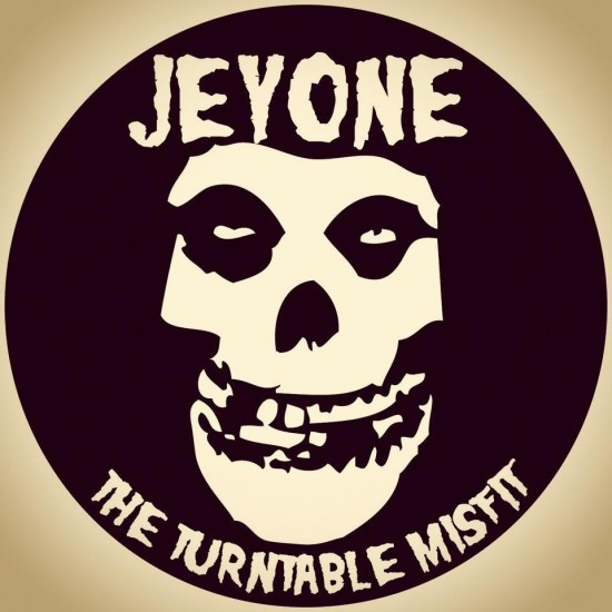 1 jeyone logo