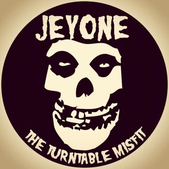 1 jeyone logo